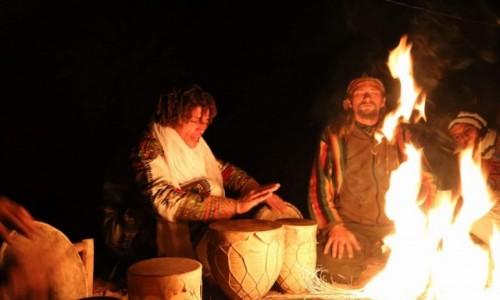 MAROKO / Sahara / Merzouga / Przy ognisku