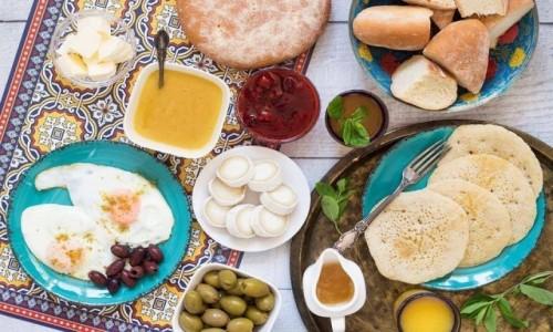 Zdjecie MAROKO / Marakesz / Riad Yasmine / Marokańskie śniadanie