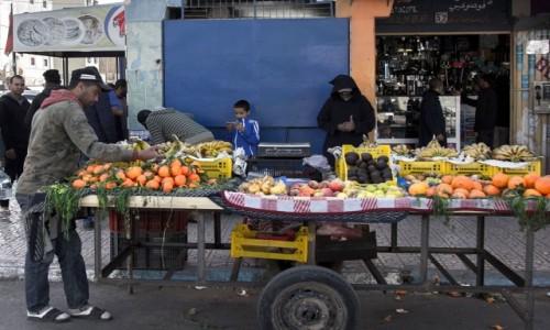 Zdjęcie MAROKO / Al-Ujun-Budżdur-Sakija al-Hamra. / Al-Marsa / Bez sieci biznes się nie kręci