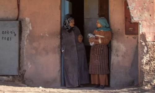 Zdjecie MAROKO / Dara-Tafilalt / gdzieś po drodze / Ach te kobiece rozmowy o modzie...