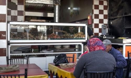 Zdjecie SAHARA ZACHODNIA / Al-Ujun-Budżdur-Sakija al-Hamra. / Al-Marsa / Smażona rybka w Al-Marsa