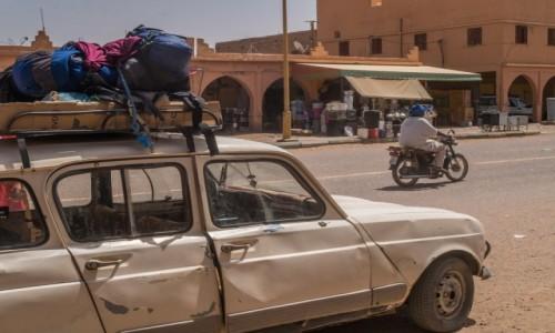 Zdjecie MAROKO / Dara-Tafilalt / M'Hamid / droga na pustynie