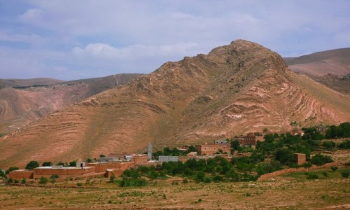 Zdjecie MAROKO / Ouarzazate / El Klaa / Pod górą