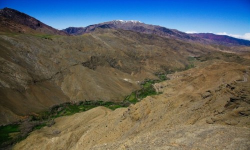 MAROKO / Góry Atlas  / Tizin Tichka / Zielona wstęga