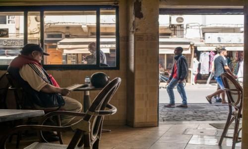Zdjecie MAROKO / Marrakesz-Safi / Essaouira / popijając kawusię