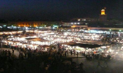 Zdjecie MAROKO / Marrakesz / Jemaa el-Fna / Jemaa el-Fna nocą