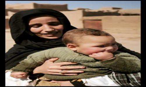 Zdjecie MAROKO / wies kolo merzougi / wies kolo merzougi / dzieci pustyni...wyrwac sie chca....