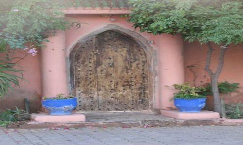 Zdjęcie MAROKO / okolice Tiznitu / w drodze / Drzwi