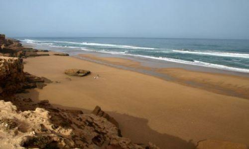 Zdjecie MAROKO / brak / w drodze do Essaouiry / rybacy na plaży