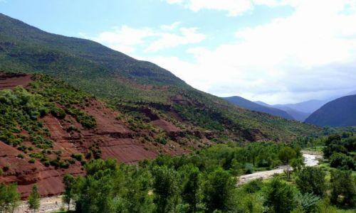 Zdjecie MAROKO / Atlas Wysoki / Dolina Urika / Widok na Atlas