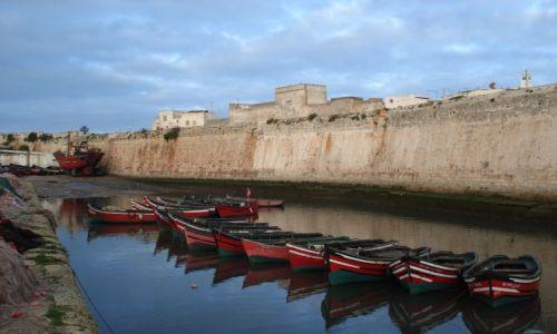 Zdjęcie MAROKO / El Jadida / El Jadida (port. Mazagan) / Rybackie łódki