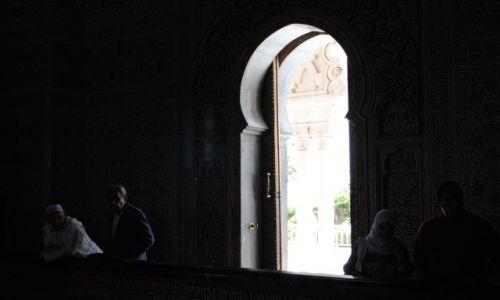 Zdjecie MAROKO / - / Rabat / Drzwi niemal balkonowe :)