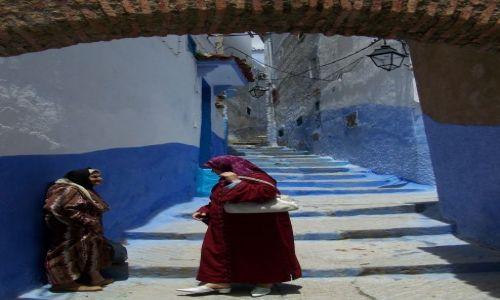 Zdjecie MAROKO / północno-centralne Maroko / Szefszawan / plotki na medynie