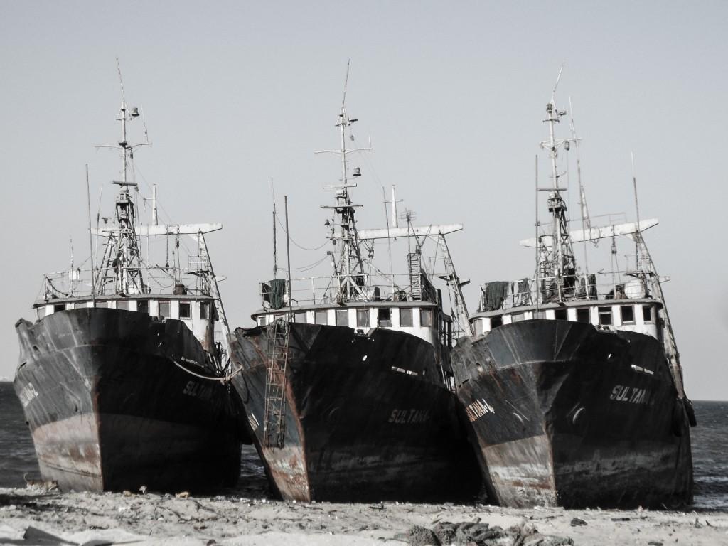 Zdjęcia: plaza, Nouadhibou, 3 statki, MAURETANIA