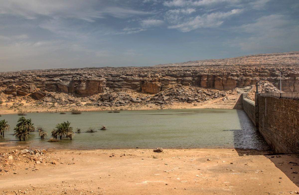 Zdjęcia: nad rzeką, Adrar, Tama na Wādī Sakallīl, MAURETANIA