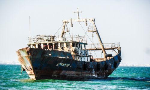 Zdjecie MAURETANIA / Nouadhibou / plaza / statek widmo