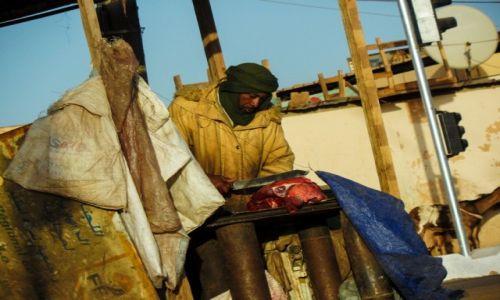 Zdjecie MAURETANIA / Nouadhibou / plaza / sklep z miesem