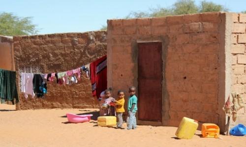 MAURETANIA / Sahel / Sahel / Zabawa kolejką
