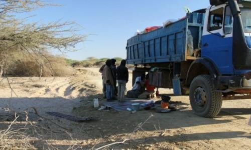 Zdjecie MAURETANIA / Sahel / uczęszczana trasa / Tam,gdzie kończy się Mauretania,a zaczyna Senegal