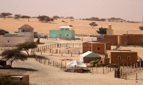 Zdjecie MAURETANIA / delta rzeki Senegal / wioska / Na bogato-wioska murowana
