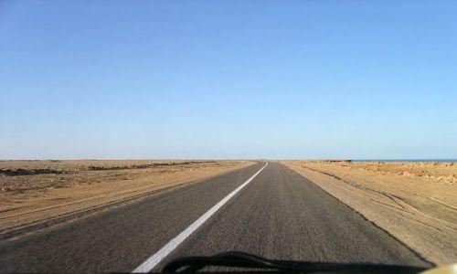 Zdjęcie MAURETANIA / Afryka / Mauretania / Droga po Mauretani