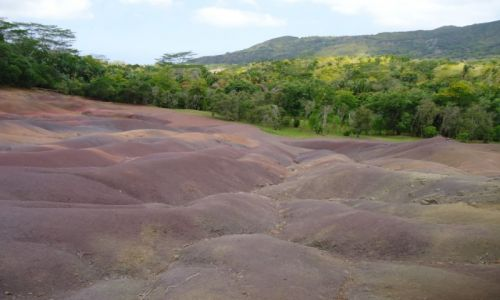 MAURITIUS / Black River district / Chamarel / Konkurs - Chamarel (kolorowa ziemia)