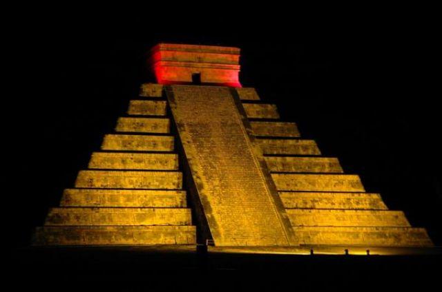 Zdjęcia: Chichen Itza, Yucatan, Pokaz światło i dżwięk, MEKSYK