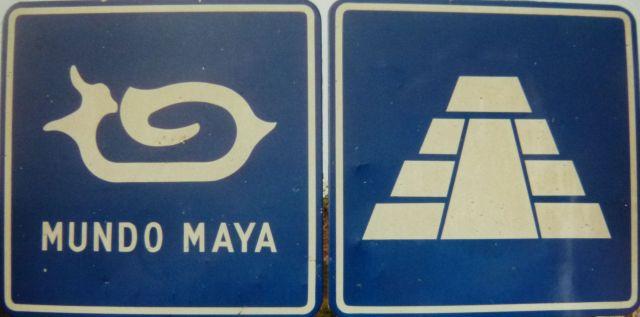 Zdjęcia: Chenkoh, Campeche, Znak drogowy Mundo Maya, MEKSYK