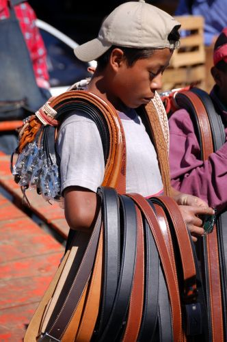 Zdjęcia: San Cristobal de las Casas, Sprzedawca pasków, MEKSYK