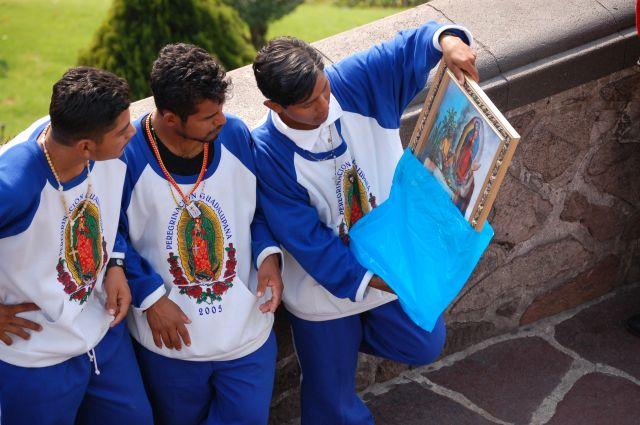 Zdj�cia: Mexico City - Guadelupe, Pielgrzymi w Guadelupe, MEKSYK