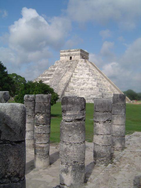 Zdjęcia: Chichen Itza, Yucatan, Kolumny w Chichen Itza, MEKSYK