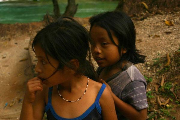 Zdjęcia: Agua Azul, Chapas, Dzieci majowskie, MEKSYK