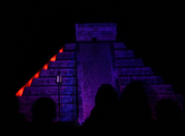 Zdjęcia: Chichen Itza, Jukatan, Światło i dźwięk w Chichen Itza - El Castillo, MEKSYK
