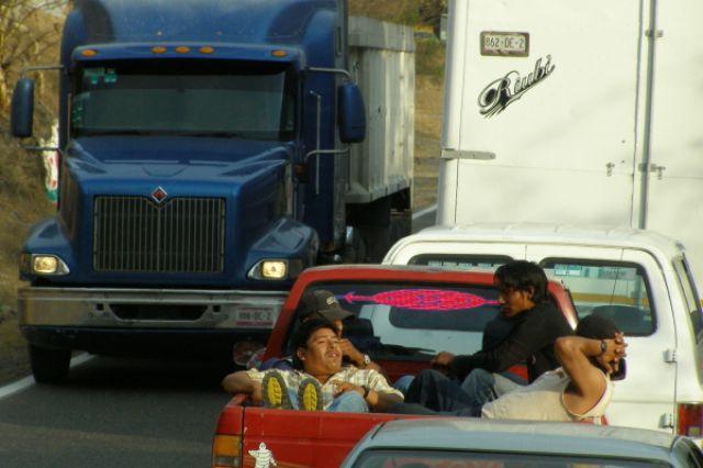 Zdjęcia: droga z Taxco do Acapulco, Fiesta mexicana, MEKSYK