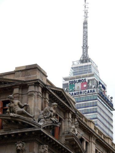 Zdjęcia: Miasto Meksyk., Piekna architektura Meksyku, w tle wieza Torre Latinoamericana, MEKSYK