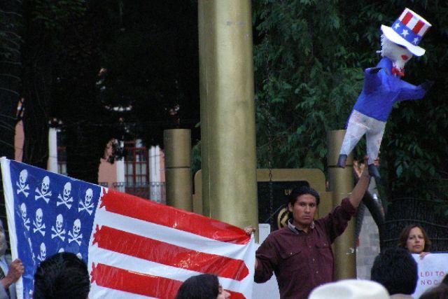 Zdjęcia: Zocalo w Puebli, demonstracja, MEKSYK