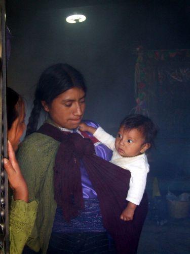 Zdjęcia: San Juan Chamula, Chiapas, Młoda matka, MEKSYK
