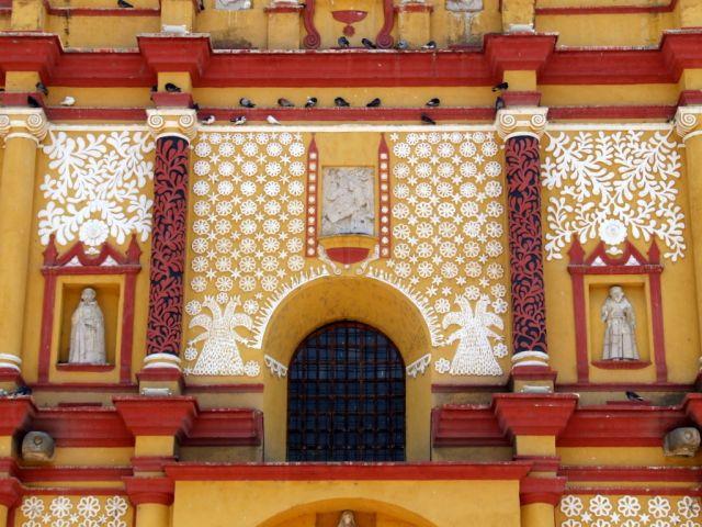 Zdj�cia: San Cristobal  de las Casas, Chiapas, Fasada Katedry, MEKSYK