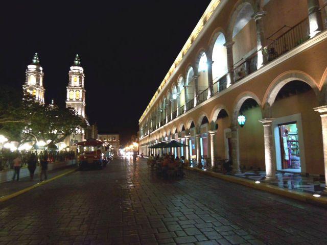 Zdjęcia: Campeche, rynek noca, MEKSYK