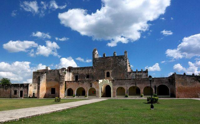 Zdjęcia: Valladolid, klasztor San Bernardino z 1552 r, MEKSYK