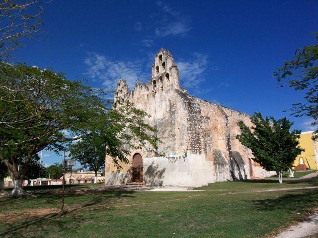 Zdjęcia: Jukatan, klasyczny stary kosciol na Jukatanie, MEKSYK