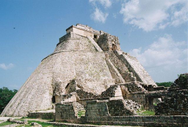 Zdjęcia: Uxmal, Piramida Czarnoksiężnika, MEKSYK