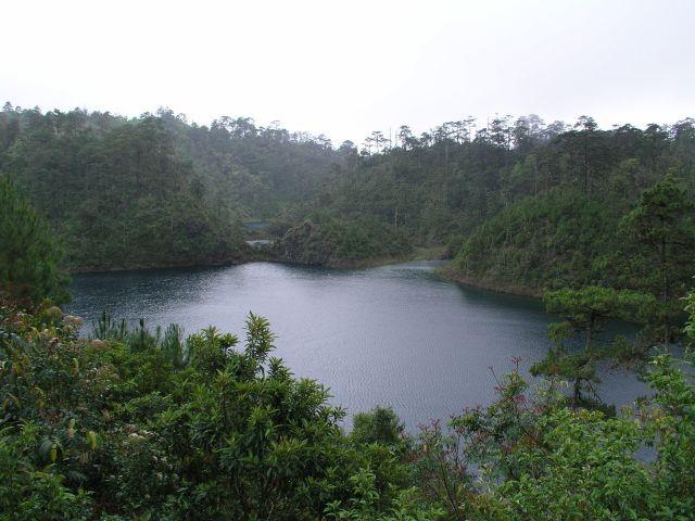 Zdjęcia: Laguna de Montebello, Meksyk,przy granicy z Gwatemalą, Jeziora we wszystkich kolorach..., MEKSYK