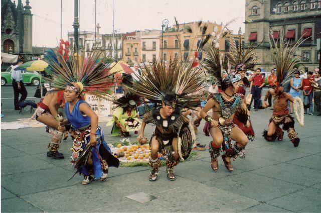 Zdjęcia: Centro Historico, Plac Konstytucji, Mexico City, Tancerze, MEKSYK