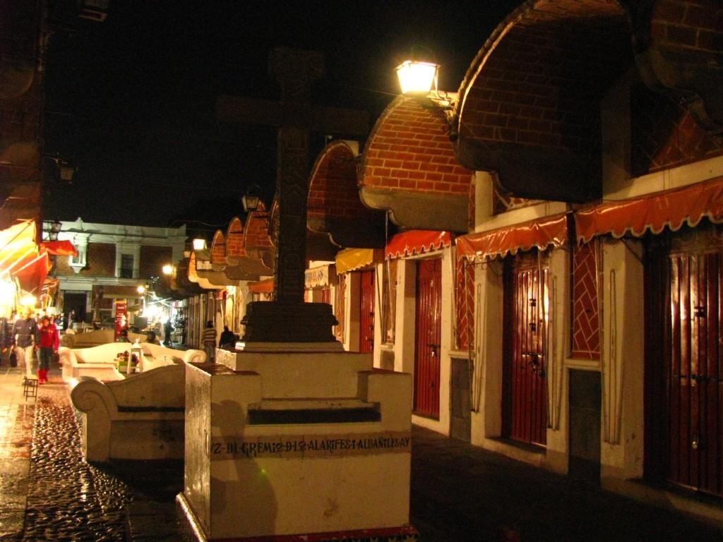 Zdjęcia: Puebla, stan Puebla, targ wieczorem, MEKSYK