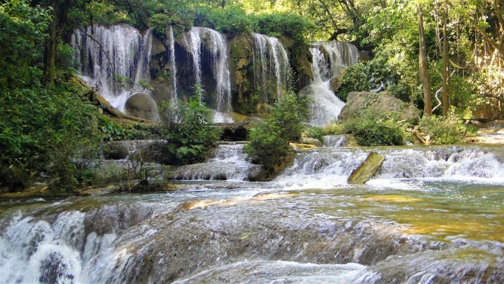 Zdjęcia: Lacandona, Chiapas, Wodospady w dżungli Lacandona - Meksyk, MEKSYK