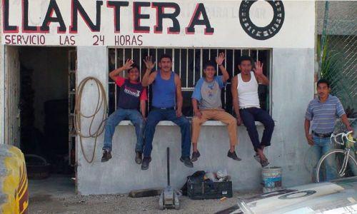 Zdjecie MEKSYK / stan Tabasco / droga do Comalcalco / Meksykanie