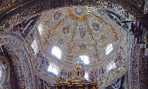 MEKSYK / Wyżyna meksykańska / Puebla / Meksykańskie kościoły