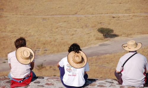 Zdjecie MEKSYK / Meksyk / Mexico City-Teotihuacan / Trio na piramidzie