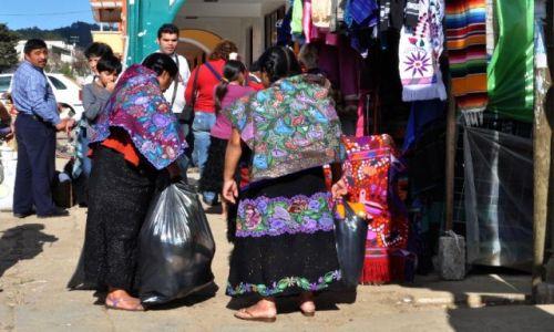 Zdjecie MEKSYK / Chiapas / San Juan Chamula / u Indian Tzotzil (podgrupa Majów)